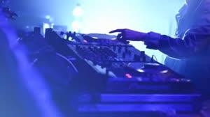 爱上你我傻呼呼 伤感女声夜店DJ视频