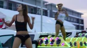 一首小情歌 DJcandy 美女热舞汽车音响dj舞曲视频现场